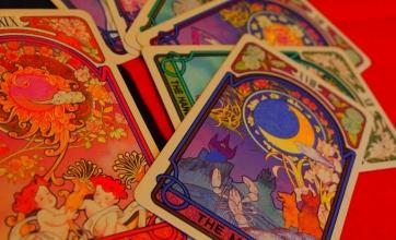 毎月第3(土)(日) はヒーリングカウンセラー中本十紀による占い&開運アドバイス